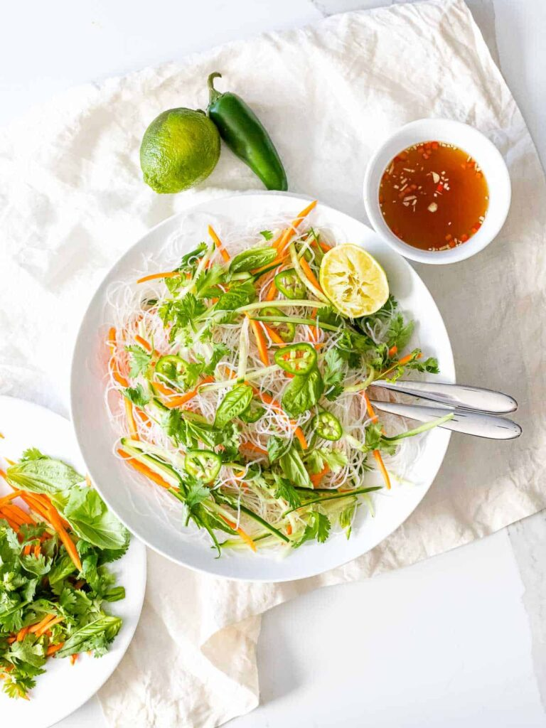 60 Vegan Asian Recipes - Vietnamese Noodle Salad with Tangy Dressing | Hurry The Food Up