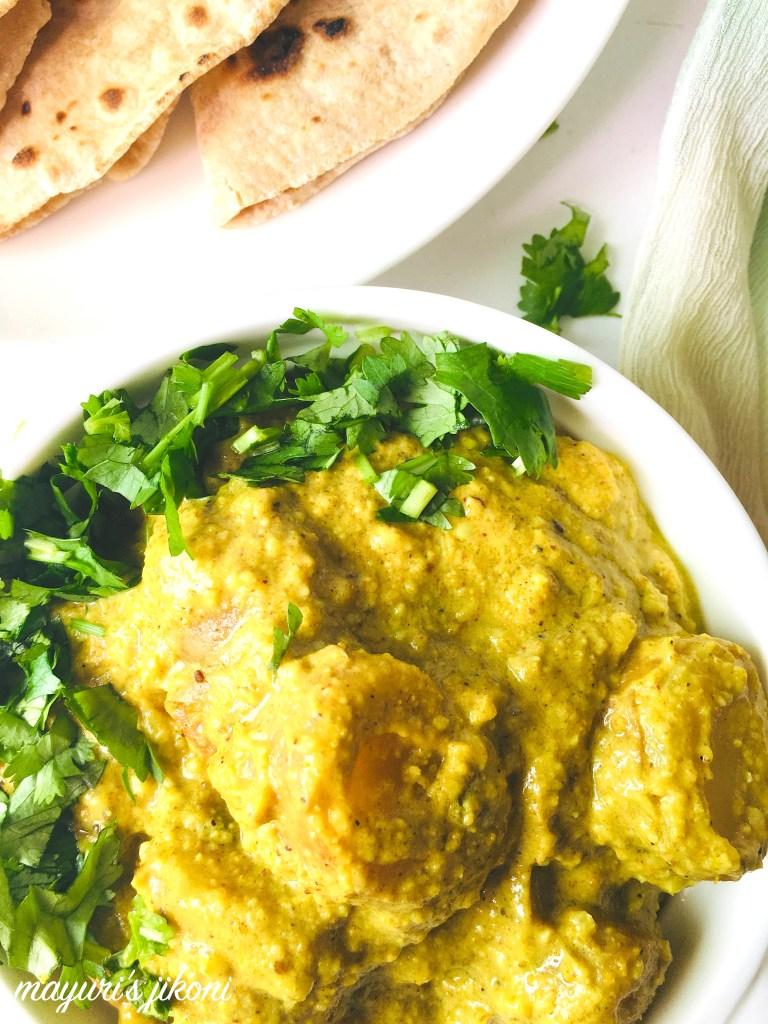 60 Vegetarian Asian Recipes - Yogurt Potato Curry | Hurry The Food Up