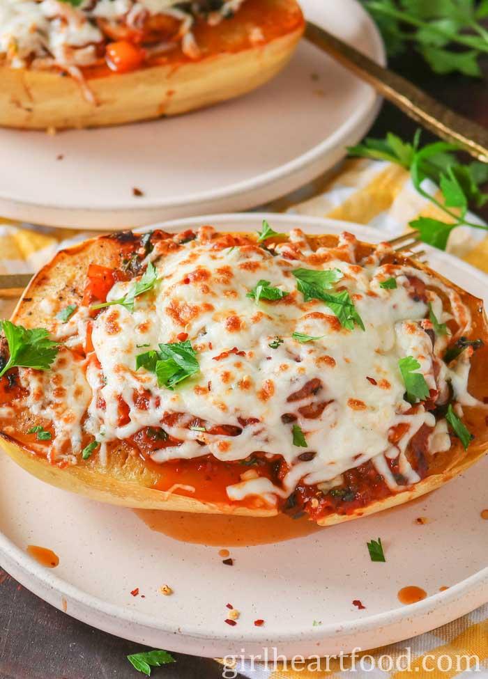 60 Perfect Vegetarian Dinner Recipes - Vegetarian Stuffed Spaghetti Squash   Hurry The Food Up