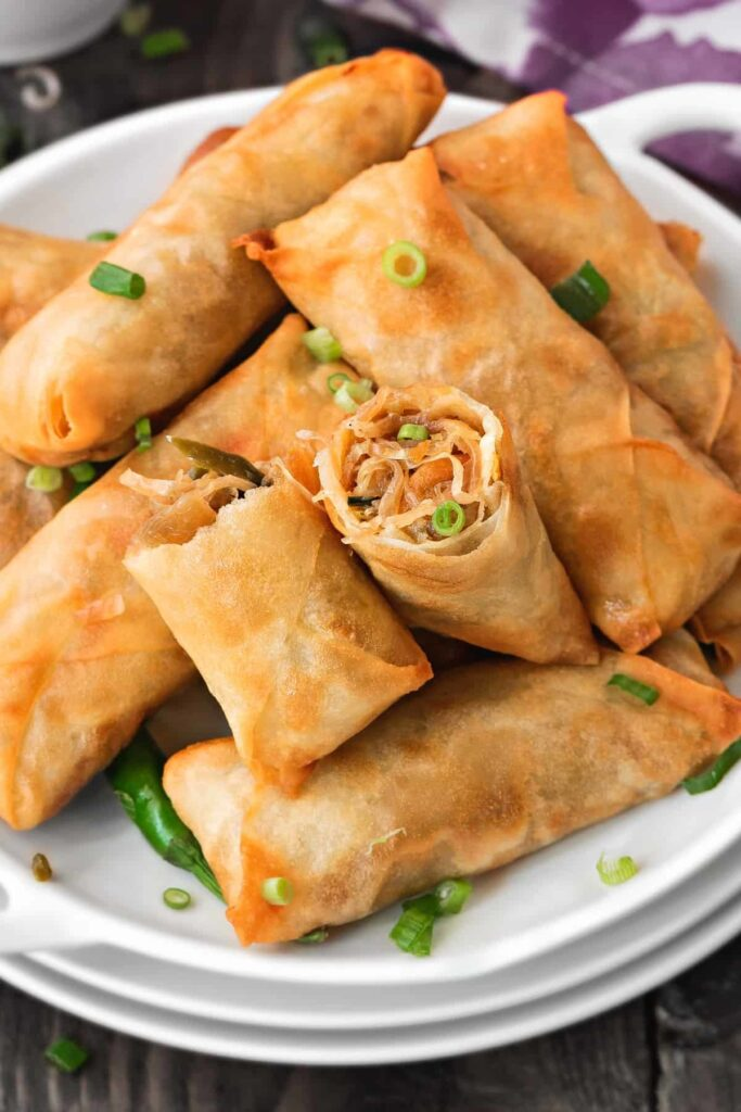20 Mouth-Watering Vegetarian Chinese Recipes - Veggie Spring Rolls| Hurry The Food Up