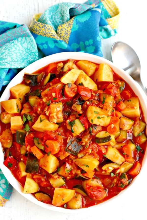 30 Vegan Italian Recipes - Zucchini Stew with Potatoes | Hurry The Food Up