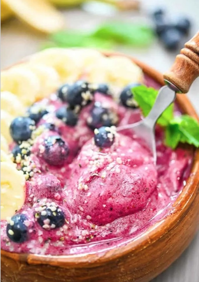 30 Low Fat Vegan Recipes - Berry Smoothie Bowl| Hurry The Food Up