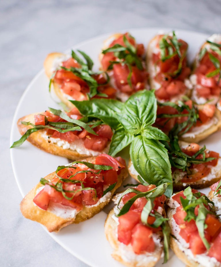 30 Vegetarian Italian Recipes - The Best Bruschetta | Hurry The Food Up