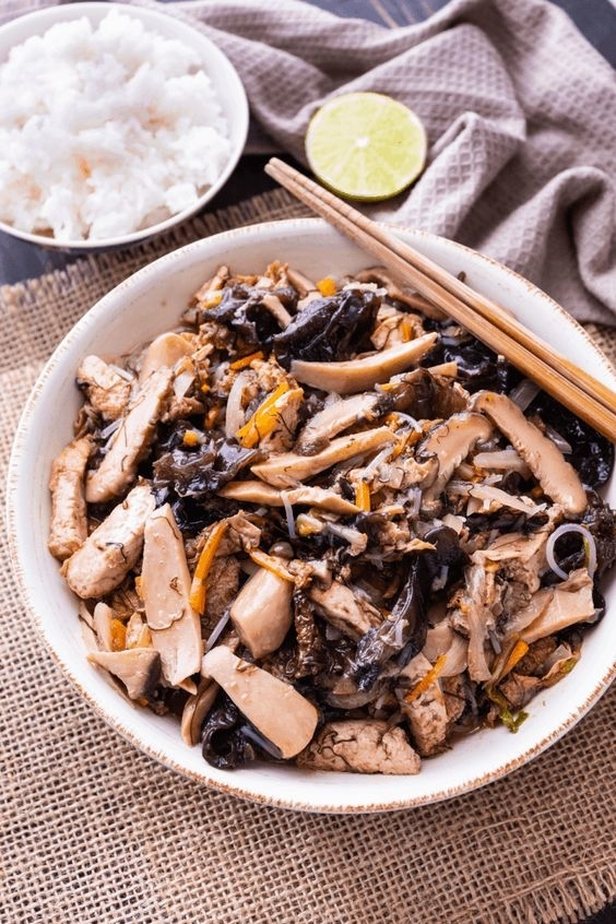 20 Mouth-Watering Vegetarian Chinese Recipes- Buddha's Delight | Hurry The Food Up
