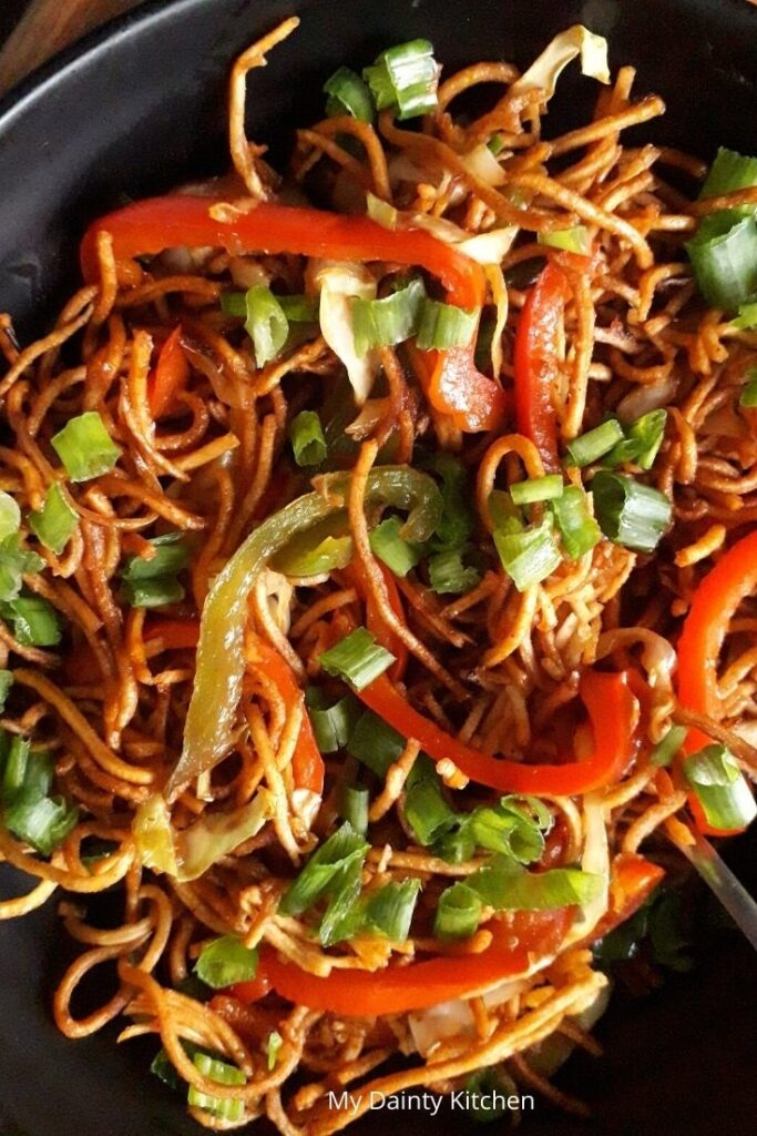 20 Mouth-Watering Vegetarian Chinese Recipes - Chinese Bhel Crispy Noodle Salad | Hurry The Food Up