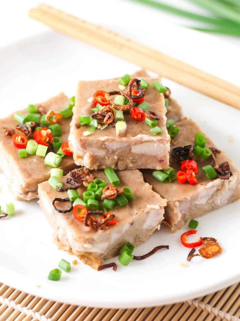20 Mouth-Watering Vegetarian Chinese Recipes - Chinese Steamed Yam Cake| Hurry The Food Up