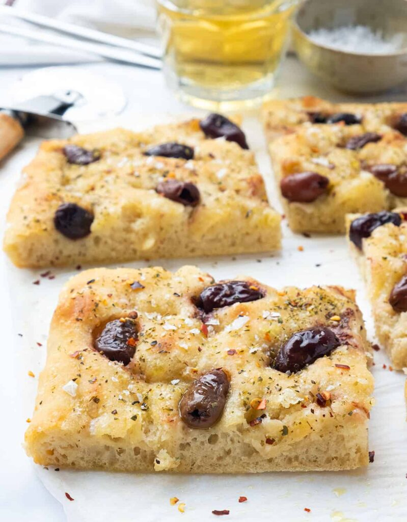 30 Vegan Italian Recipes - Easy Focaccia with Olives | Hurry The Food Up