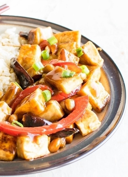 20 Delicious Vegan Chinese Recipes - Kung Pao Tofu | Hurry The Food Up