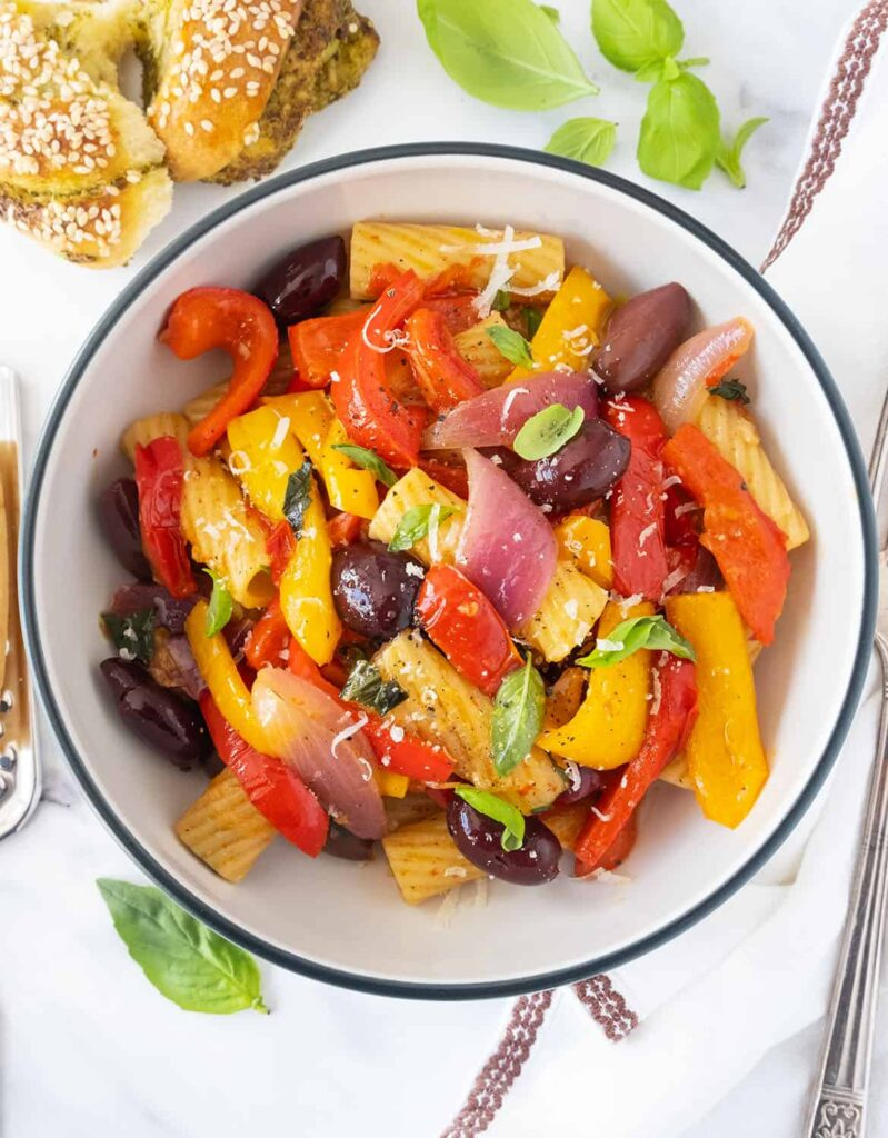 60 Perfect Vegetarian Dinner Recipes - Pasta with Peppers   Hurry The Food Up