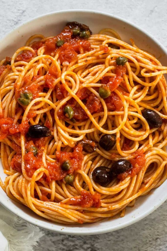 30 Vegan Italian Recipes - Vegan Puttanesca Pasta | Hurry The Food Up