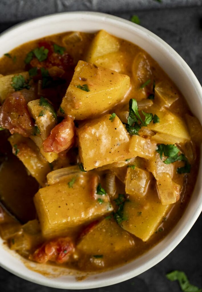 60 Perfect Vegetarian Dinner Recipes - Spicy Potato Curry (Aloo Curry)   Hurry The Food Up