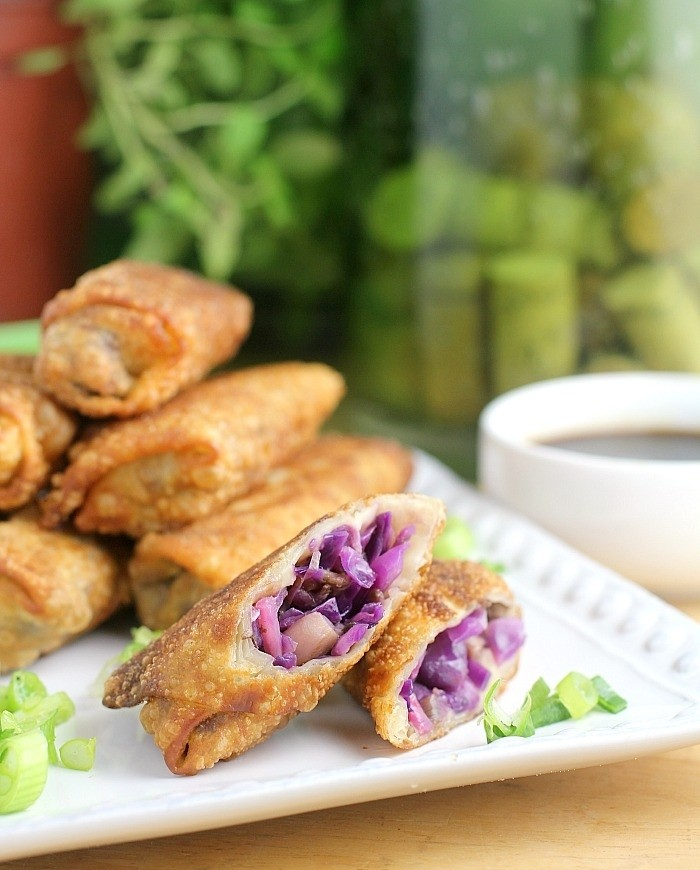 20 Delicious Vegan Chinese Recipes - Vegan Spring Rolls | Hurry The Food Up