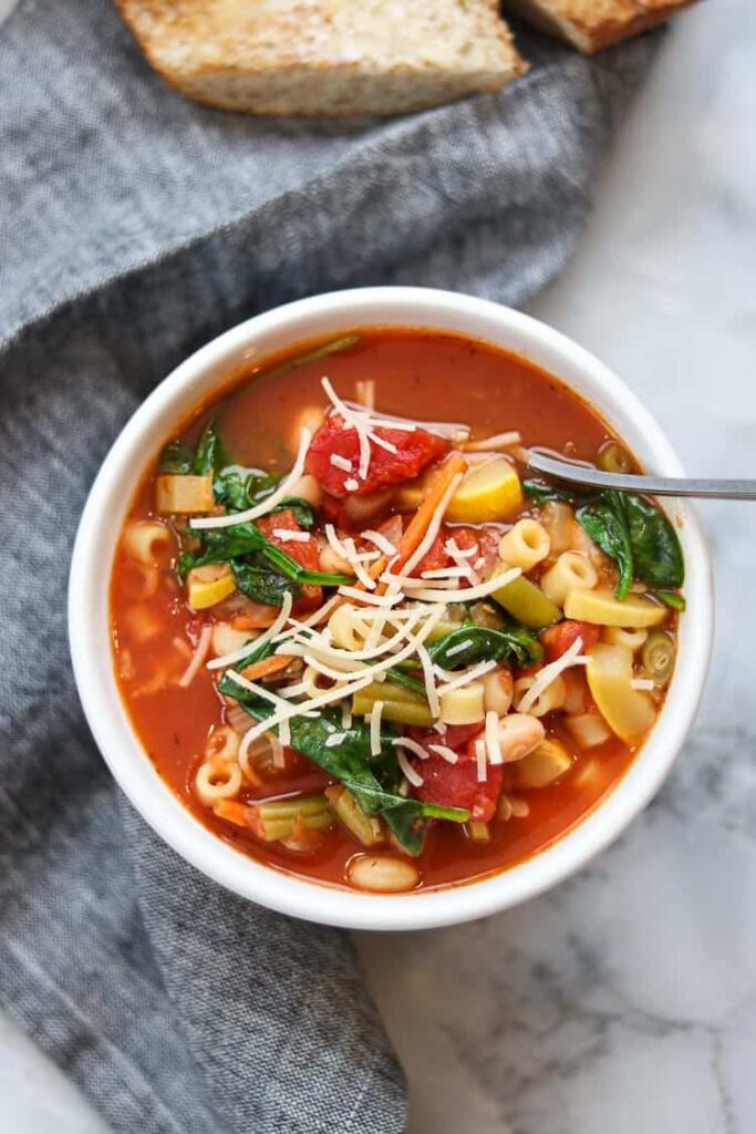 30 Vegan Italian Recipes - Vegan Minestrone Soup | Hurry The Food Up