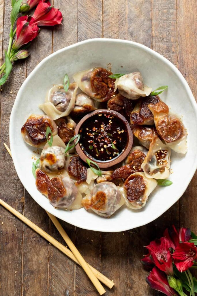 20 Mouth-Watering Vegetarian Chinese Recipes - Veggie Gyoza Sweet Chilli Dipping Sauce | Hurry The Food Up