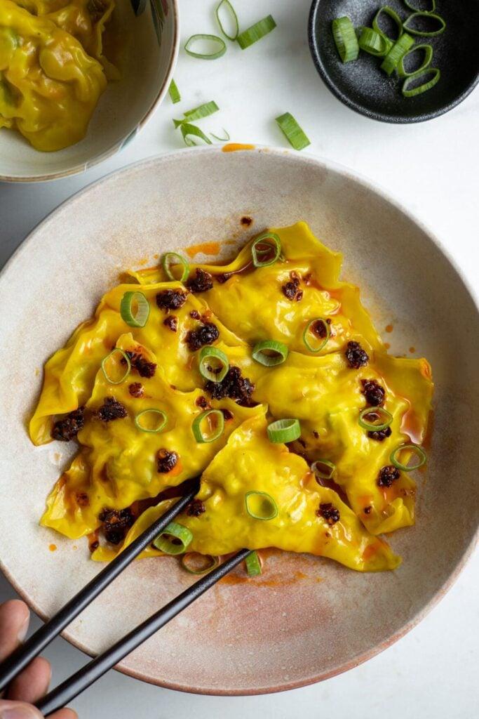 20 Delicious Vegan Chinese Recipes - Vegan Wontons | Hurry The Food Up