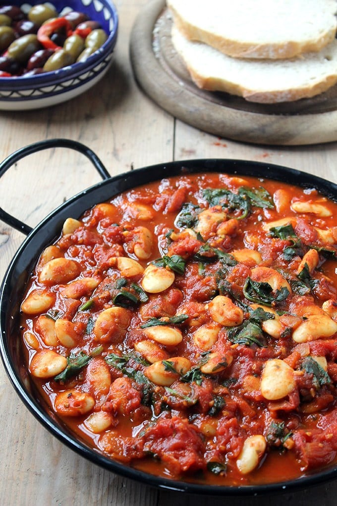45 Summery Vegetarian Mediterranean Recipes - Spanish Beans | Hurry The Food Up