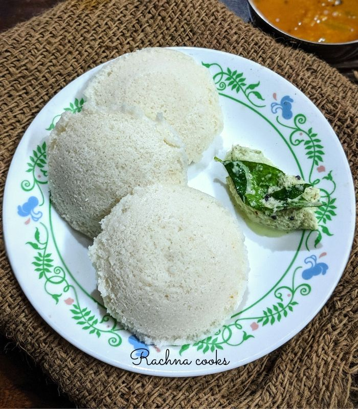 15 Incredible Indian Breakfasts for Weight Loss - Simple Idli | Hurry The Food Up