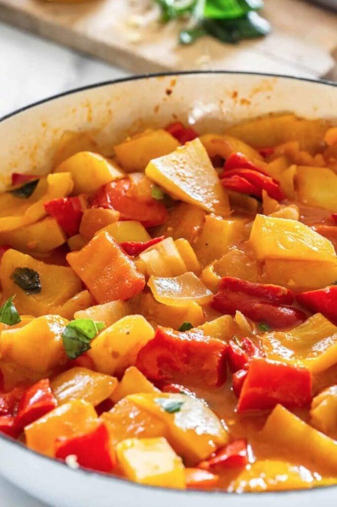 45 Summery Vegetarian Mediterranean Recipes - La Peperonata | Hurry The Food Up