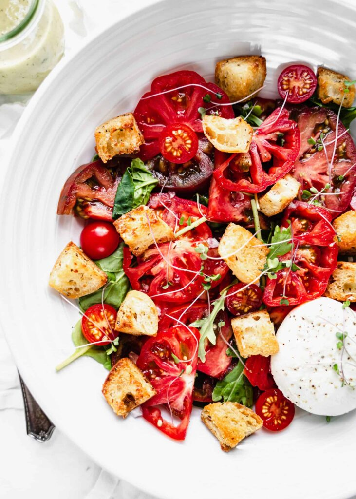 45 Summery Vegetarian Mediterranean Recipes - Panzanella Salad | Hurry The Food Up