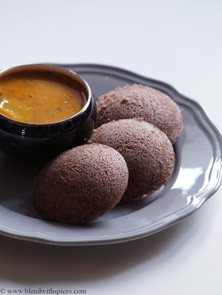 15 Incredible Indian Breakfasts for Weight Loss- Ragi Ravi Idli | Hurry The Food Up