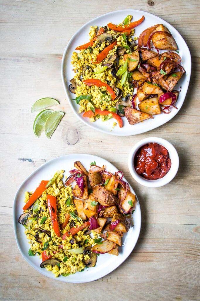 7 Low Carb High Protein Vegan Recipes - Tofu Scramble | Hurry The Food Up