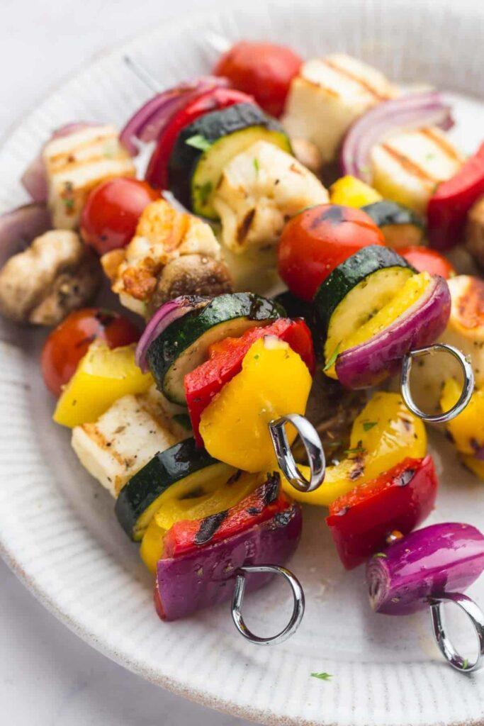 45 Summery Vegetarian Mediterranean Recipes - Veggie Kabob with Halloumi| Hurry The Food Up