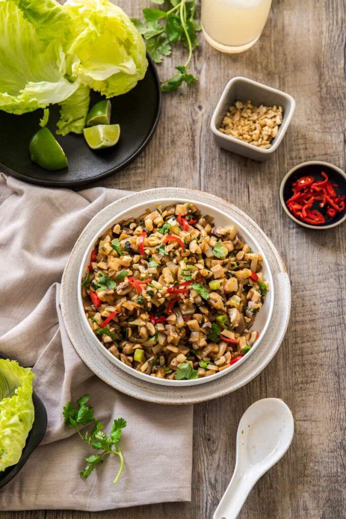 40 Vegan Low Calorie Meals -Mushroom San Choy Bow | Hurry The Food Up