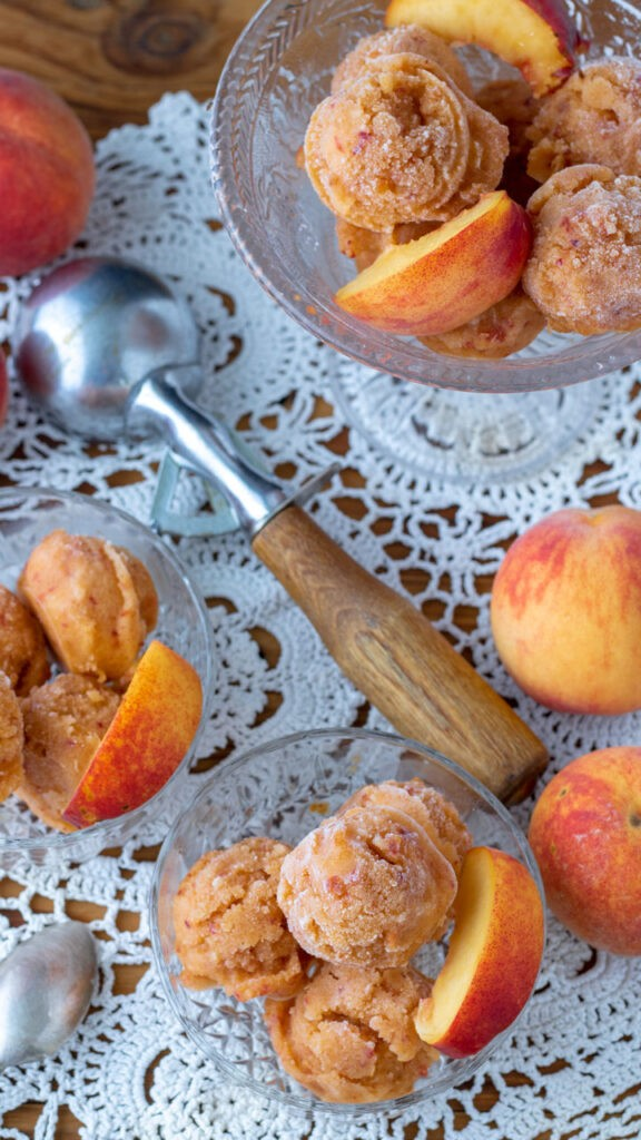 15 Low Calorie Desserts under 100 Calories – Peach Sorbet | Hurry The Food Up