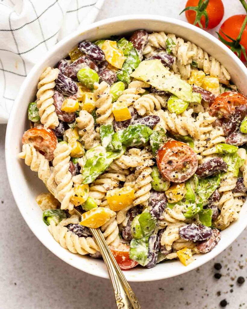 40 Vegan Low Calorie Meals -Low Calories Protein Pasta Salad with Kidney Beans and Lettuce | Hurry The Food Up