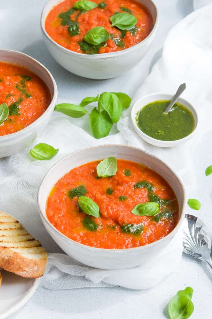 40 Vegetarian Low Calorie Meals -Roasted Red Pepper Soup | Hurry The Food Up