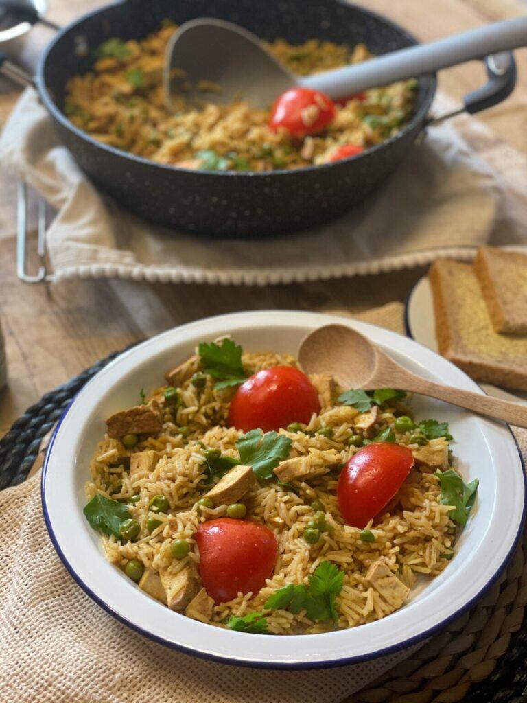 40 Vegan Low Calorie Meals -Vegan Smoked Tofu Kedgeree | Hurry The Food Up