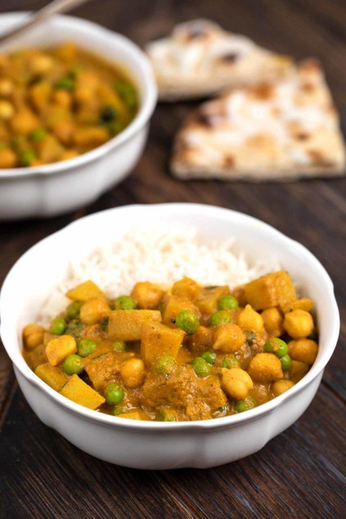 40 Vegan Low Calorie Meals -Potato Curry | Hurry The Food Up