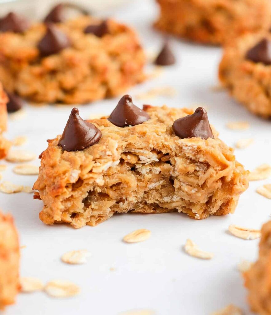 10 Low Calorie Oatmeal Cookies - 3 Ingredients Peanut Butter Banana Oatmeal Cookies | Hurry The Food Up