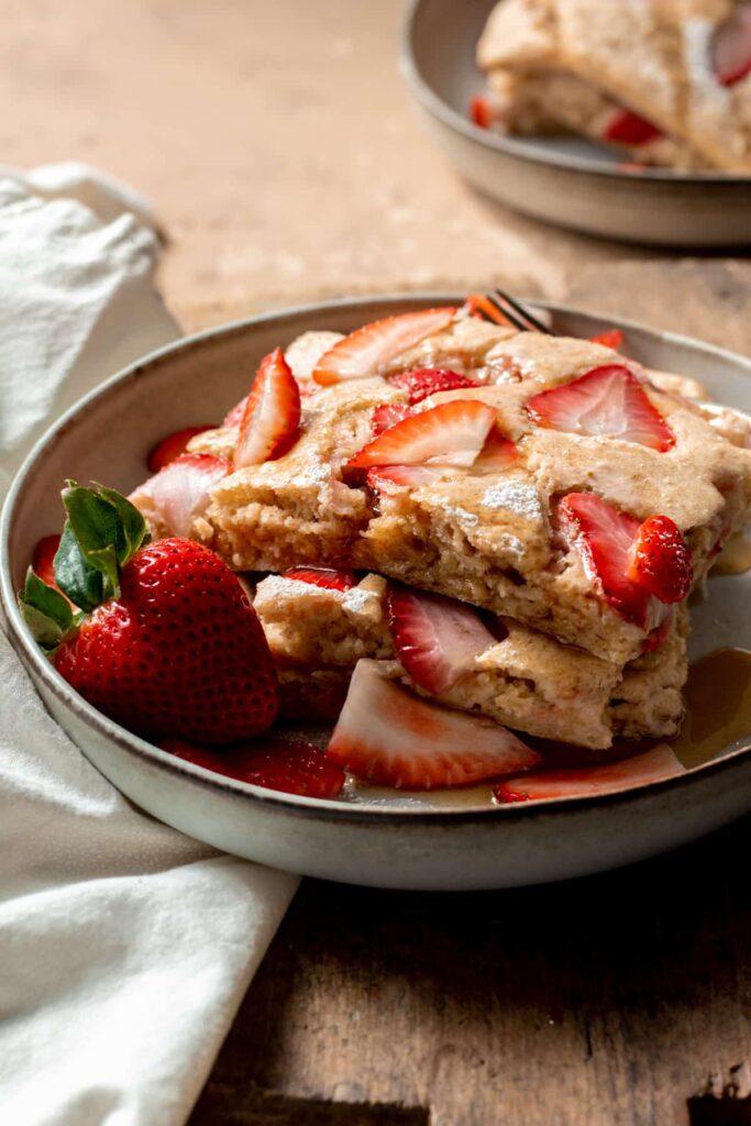 30 Lazy Vegan Recipes – Vegan Sheet Pan Pancakes   Hurry The Food Up