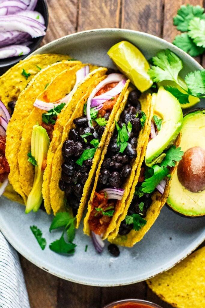 30 Lazy Vegan Recipes – Black Bean Tacos  Hurry The Food Up