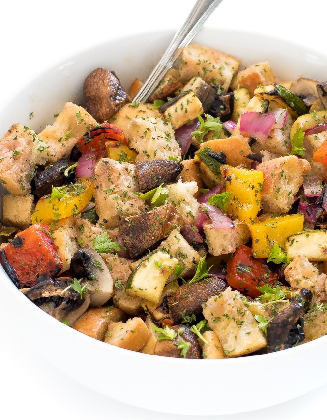 25 Vegan Zucchini Recipes - Grilled Vegetable Panzanella Salad | Hurry The Food Up