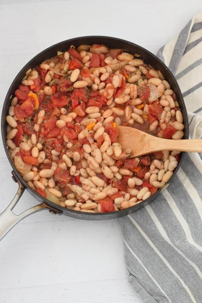 30 Lazy Vegan Recipes – White Bean Skillet   Hurry The Food Up